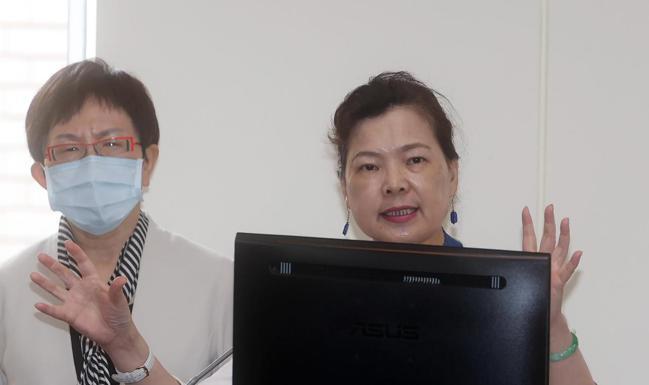 經濟部長王美花(圖右)。記者曾吉松/攝影