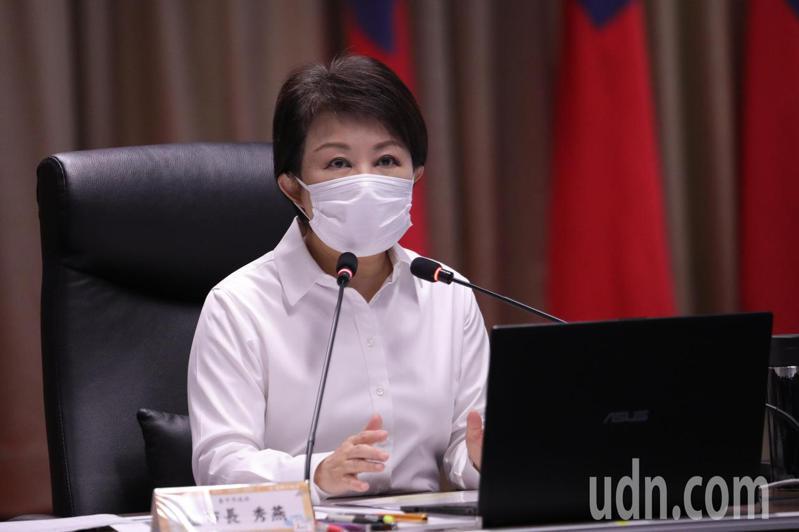 台中市政府今天因應母親節將至,召開加嚴防疫整備會議。記者趙容萱/攝影