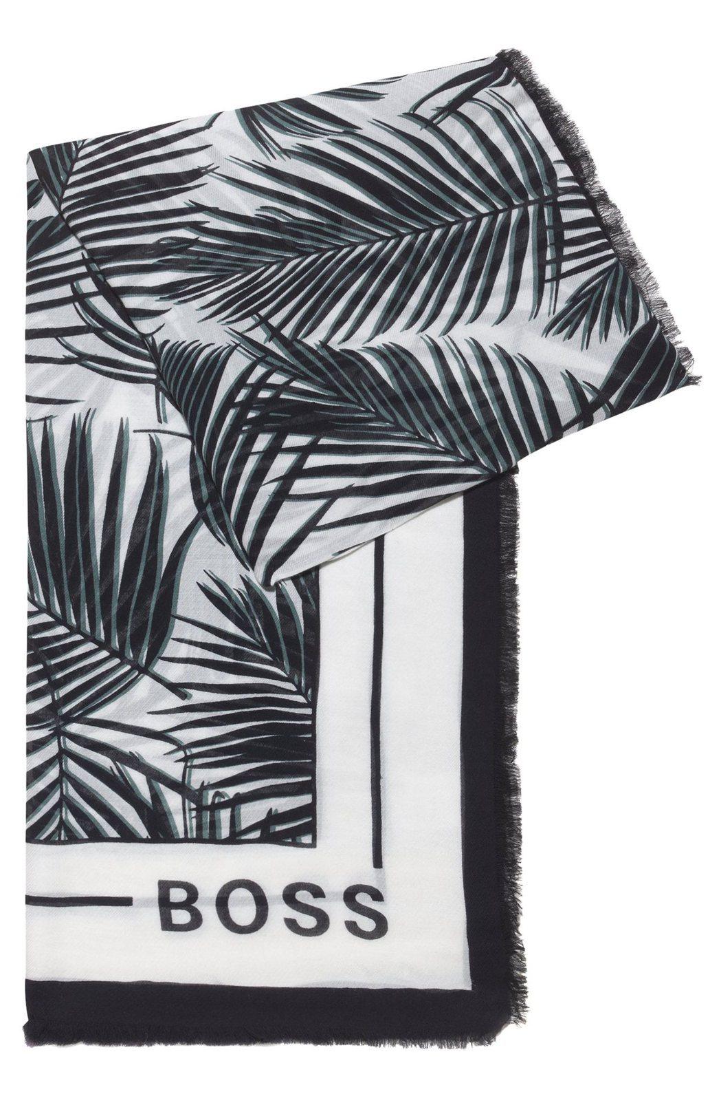 棕櫚葉印花純棉披肩,4,400元。圖/BOSS提供