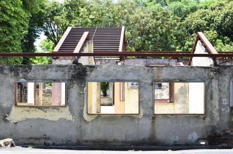 雲林縣政府將荒廢十多年的建國眷村修復、活化,已有特色店家駐村,未來其他棟建築物整...