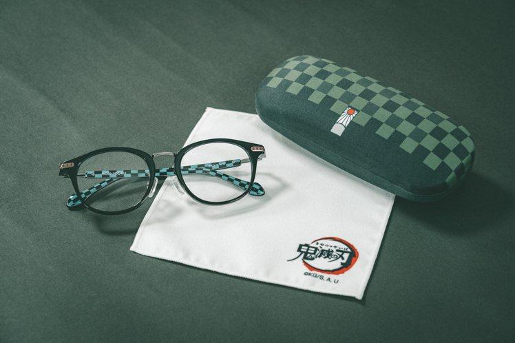 OWNDAYS竈門炭治郎造型眼鏡,附有專用眼鏡盒及日本進口《鬼滅之刃》標誌眼鏡拭...