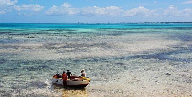 中國大陸已計畫升級吉里巴斯的一個偏遠島嶼上的簡易機場和橋梁,以恢復二戰期間曾駐紮...