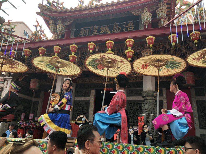 農曆4月12日迎城隍是金門最盛大的宗教民俗盛會,每年都吸引相當多遊子與遊客前來參與。記者蔡家蓁/攝影