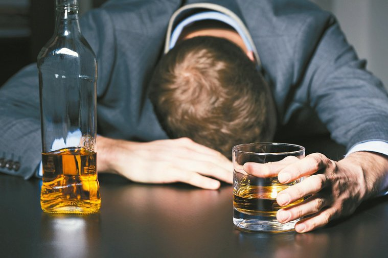 飲酒的人罹患多發性癌症機率比沒喝酒的人高出20倍。圖╱123RF