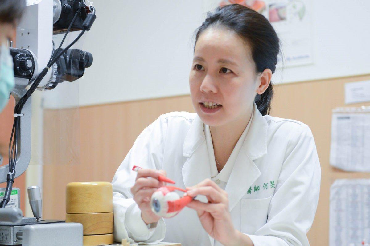 眼科醫師指出,若民眾每天流眼淚,要小心否罹患「急性淚囊炎」,應立即就醫檢查。 圖...
