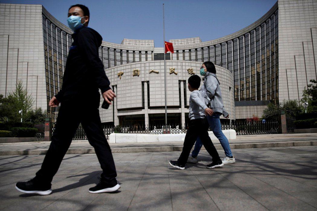中國四大金融監管機構人民銀行(中國央行)、銀保監會、證監會、外匯管理局,於4月29日約談13家具代表性的網路金融平台高管。 圖/路透社