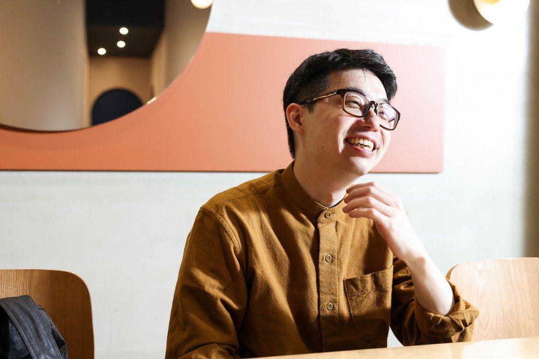 嘖嘖創辦人徐震從12歲開始熱衷漫畫,從中獲取知識,也看見不同人生。 圖/吳致碩攝...