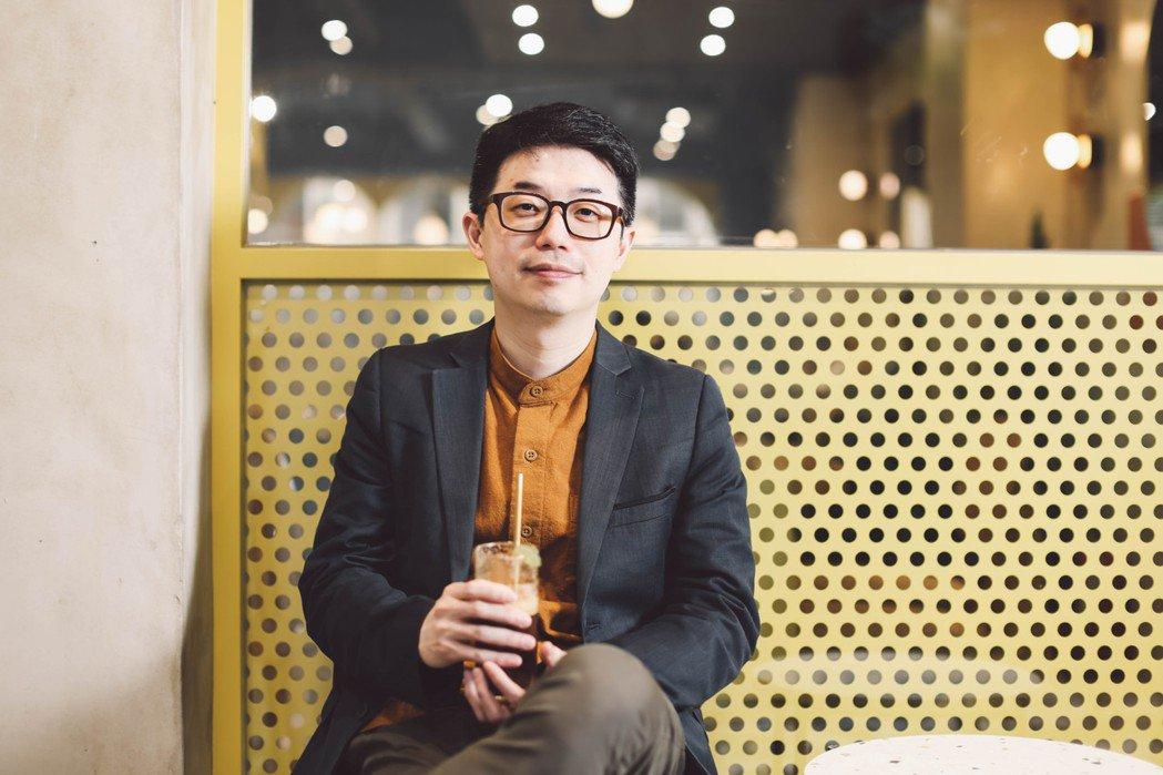 10年前,28歲的徐震與同樣身在倫敦的台灣設計人一起創立了「嘖嘖zeczec」。...