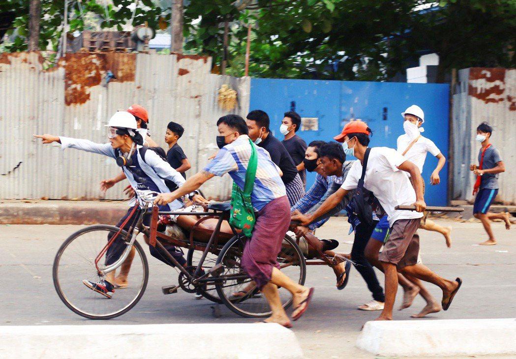 「緬甸的未來方向怎麼走?」截至5月5號為止,緬甸援助政治犯協會(AAPP)估計已...