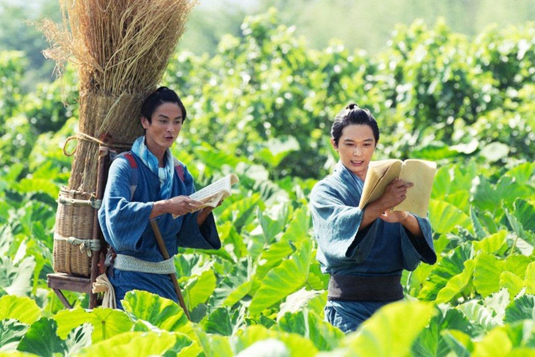 澀澤榮一也是個愛讀書的小孩,6歲時在父親市郎右衛門的指導下,開始學習漢字,沒想到...