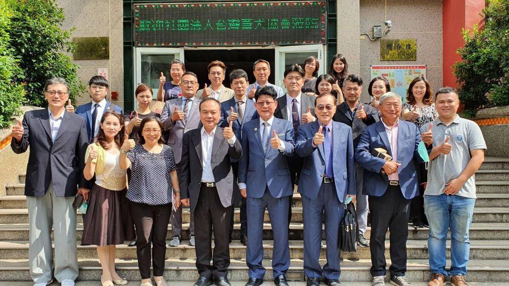 美和科技大學攜手台灣畜犬協會共同為寵物產業培育專業人才。 美和科大/提供
