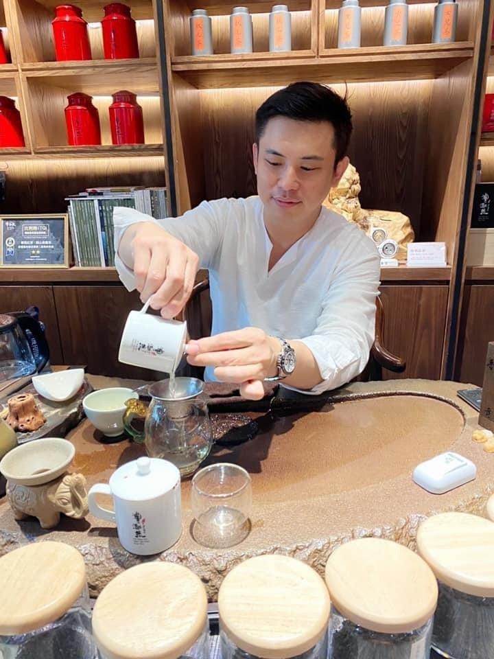 澧瀜號創辦人鄭旭騰表示,首批「金萱春茶」在開始販售,提供懂茶與愛茶的消費者,搶先...
