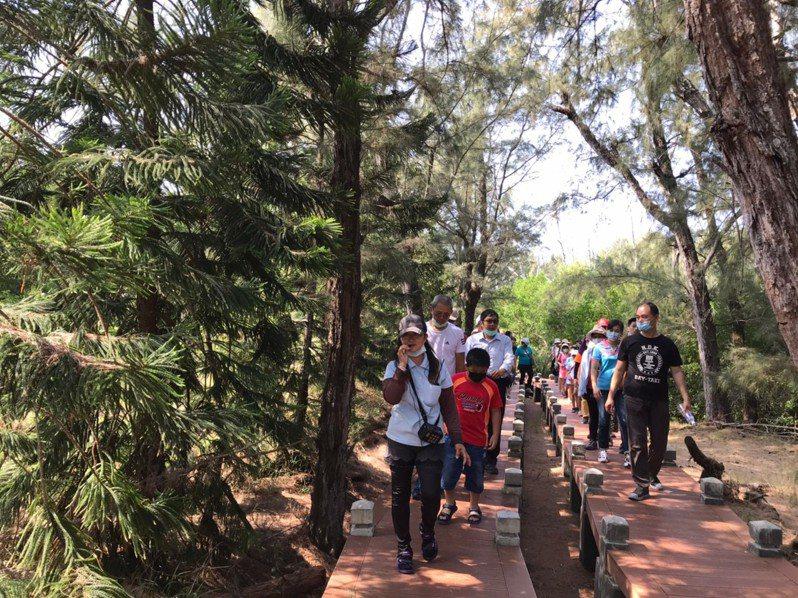 台南北門區公所邀請民眾來一趟海邊經典小鎮之施。圖/北門區公所提供