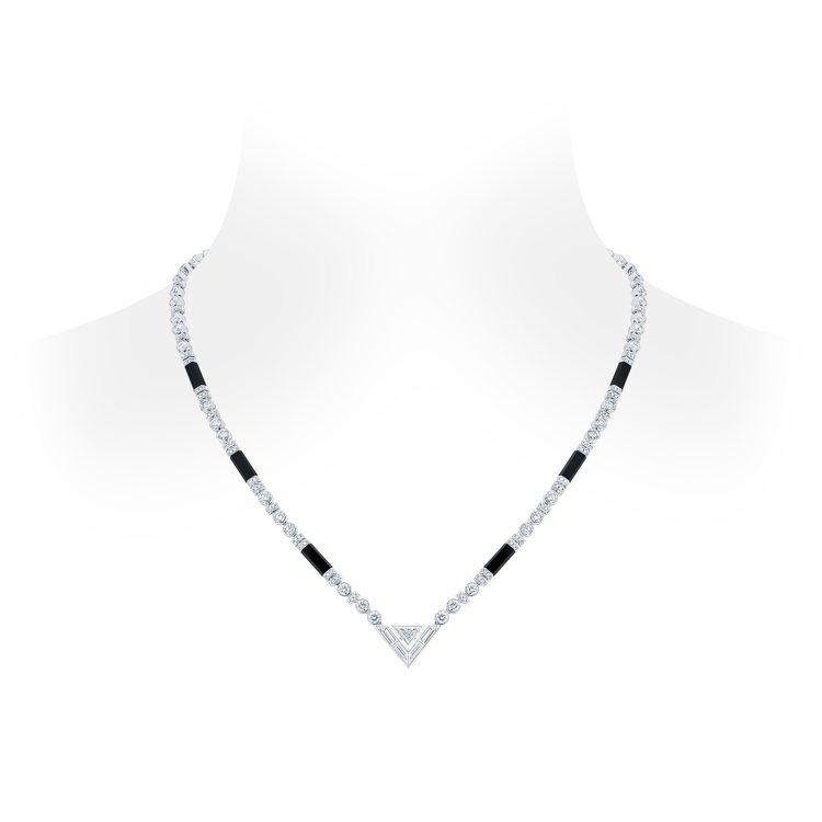 路易威登Pure V鑽石與縞瑪瑙項鍊,368萬元。圖/路易威登提供