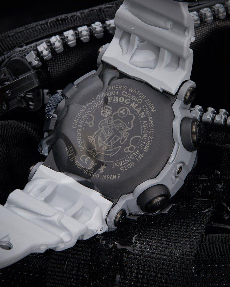 G-SHOCK GWF-A1000RN-8A腕表,背蓋上刻有客製化海軍陸戰隊青蛙...