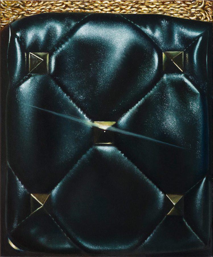 英國的Louise Giovanelli以Roman Stud大鉚釘手袋為題。圖...