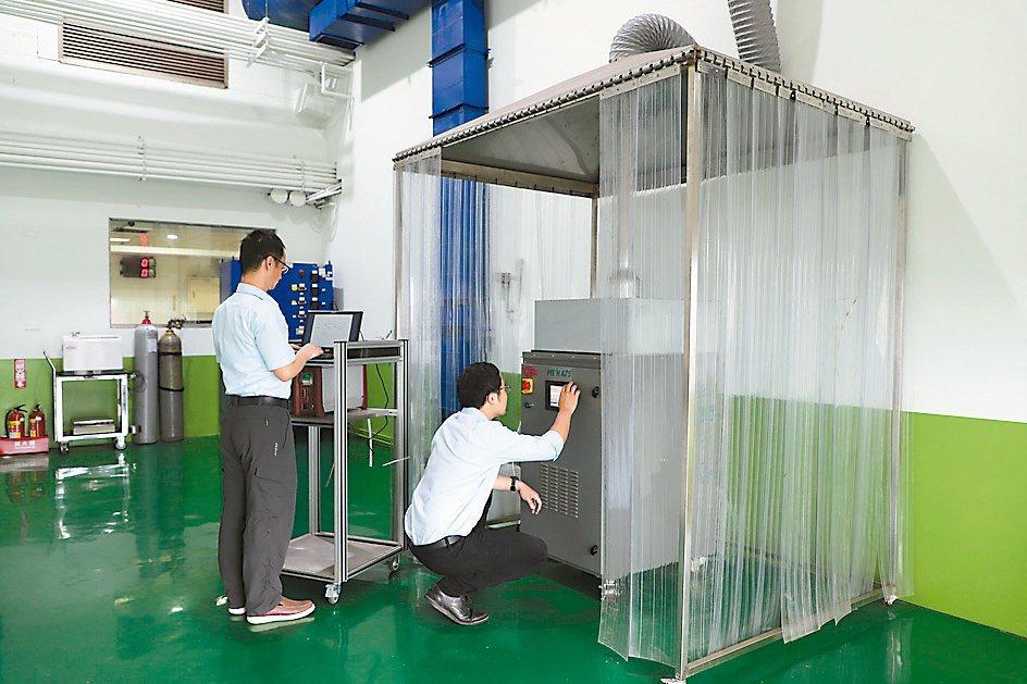 車輛中心建立國內第一套產氫系統量測與驗證設備,協助業者迎接綠能商機。車輛中心/...