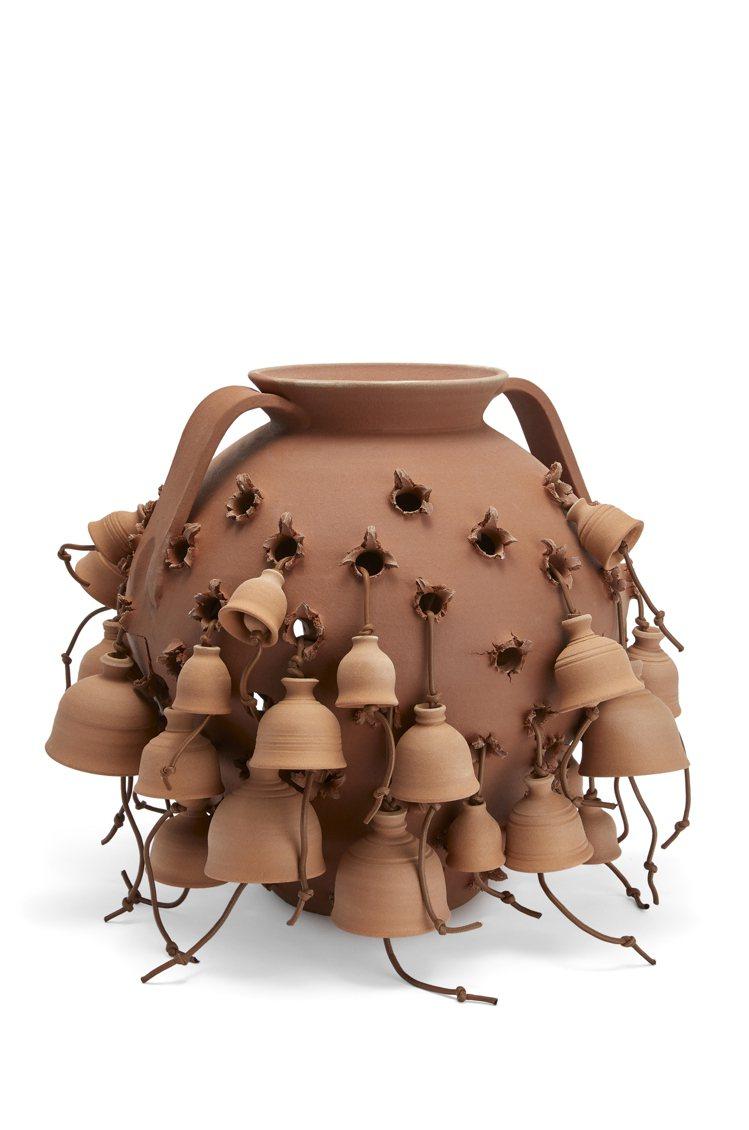 製作了一個陶罐、還有千千萬萬個陶罐,是這個誘發密集恐懼症的藝術品的可愛之處。圖/...