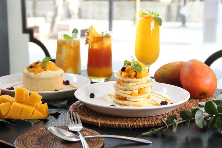 杏桃鬆餅屋推出2款芒果鬆餅與3款芒果飲品。記者陳睿中/攝影
