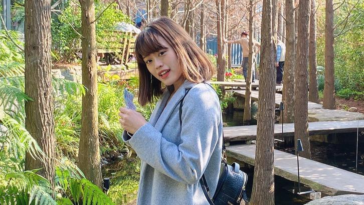 現在活潑開朗的林祐遙,背後有段坎坷的少女歲月。圖片由林祐遙授權「有肌勵」刊登