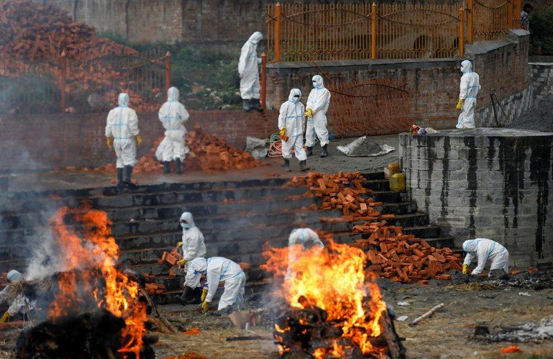 印度第二波新冠肺炎疫情持續惡化。 路透社