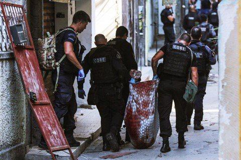 以觀光海景、足球與犯罪殺戮率而昭彰於全球的巴西大城里約熱內盧,6日爆發了極為嚴重...