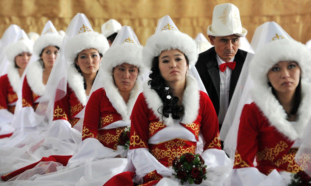 示意圖,一場吉爾吉斯的集體婚禮。 圖/法新社