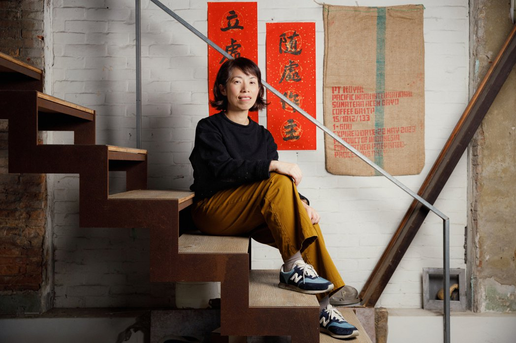 康淑華一直希望蘆葦女力的商品是具有「社會對話力」。 圖/陳軍杉攝影