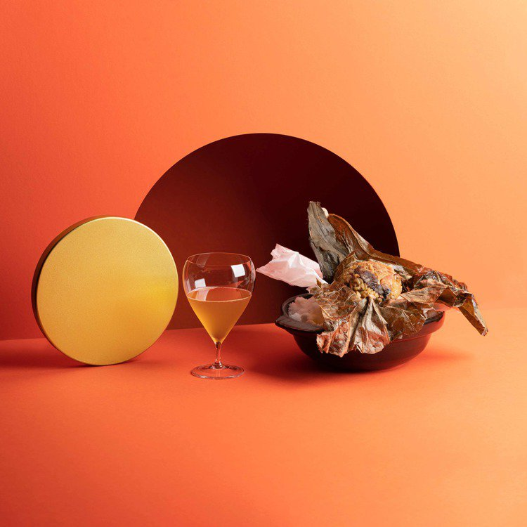 酒鬼煲仔飯X高山。圖/ROOM by Le Kief提供