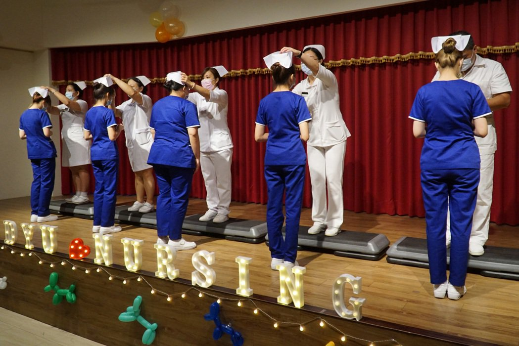 大葉大學護理系舉辦加冠典禮。 大葉大學/提供。