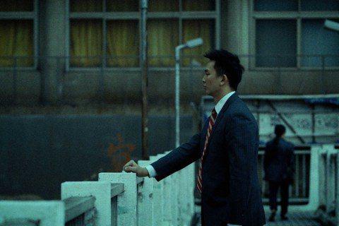 台灣首部職業綜合格鬥紀錄片「逆者」,由印尼導演陳文良跟著主角黃育仁從台灣到泰國、大陸、新加坡和馬來西亞訓練、比賽,耗時7年、負債千萬才完成他的首部紀錄長片作品。以李安為目標、到台灣追尋「電影夢」的印...