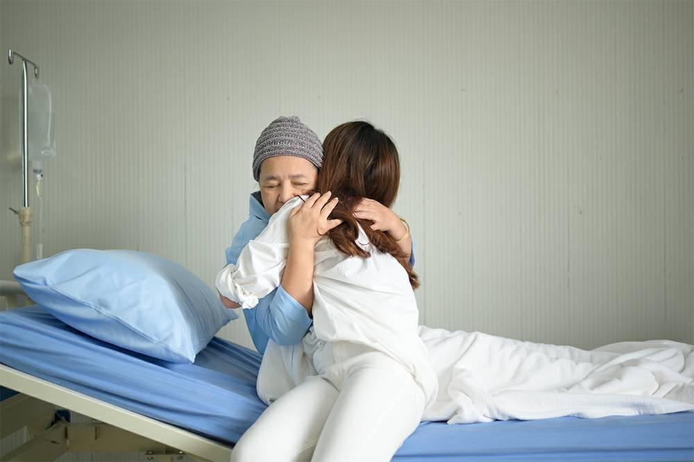 新安東京海上產險推出全心防癌保險,以三重保障撐起癌症防護網。圖/新安產險提供