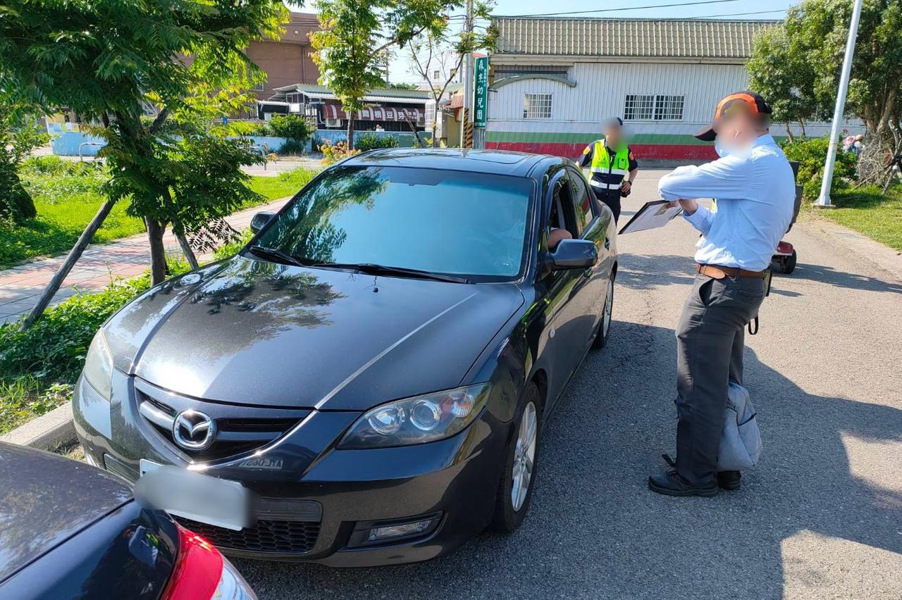 1000倍代價!白牌車收100元載3名學生 遭開罰10萬元