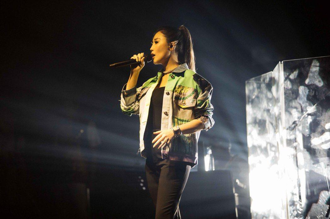 A-Lin一連10場的「Romadiw」演唱會,今晚首場登場。圖/众悅娛樂提供