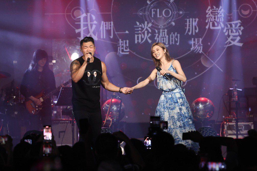 蔡黃汝今晚開唱,與金曲歌王李玖哲勾手合唱「圍牆」。記者王聰賢/攝影