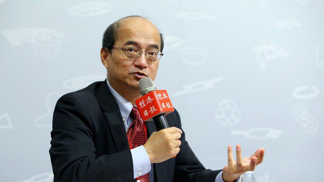 中央銀行理事、台經院院長張建一接受彭博資訊專訪,指台幣政策面臨「轉捩點」。(本報...