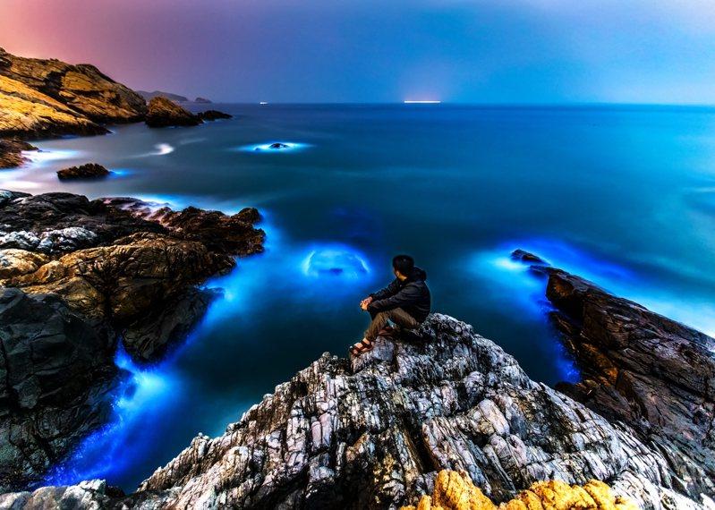 台灣暗空協會鎖定馬祖大坵島為台灣第二座暗空公園申請目標。圖為馬祖藍眼淚示意圖,非大坵島。圖/連江縣政府提供