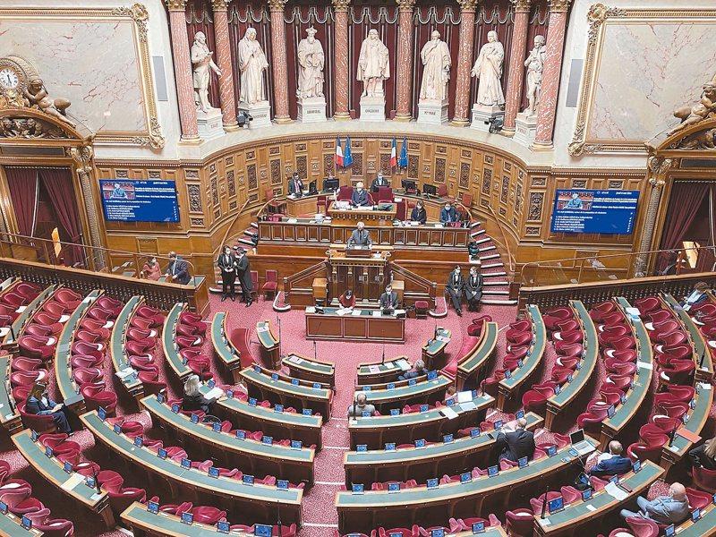 法國參議院(圖)六日表決支持台灣參與國際組織提案,以三○四票贊成,零票反對的壓倒性結果通過,寫下台法關係歷史時刻。(中央社)
