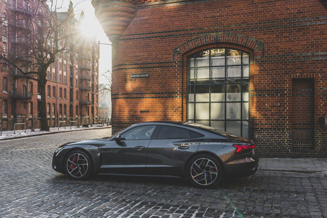 在歐洲WLTP標準測試之下,Audi e-tron GT quattro在滿電情...