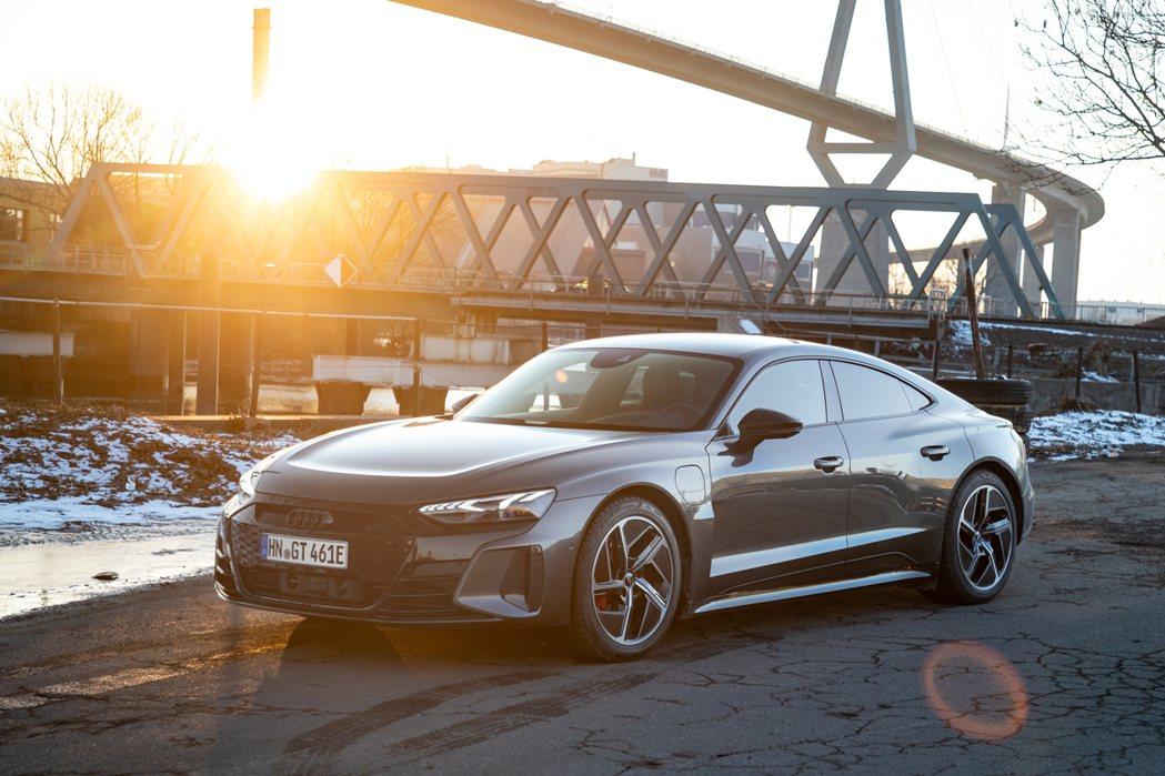 Audi e-tron GT quattro與RS e-tron GT首波限量5...