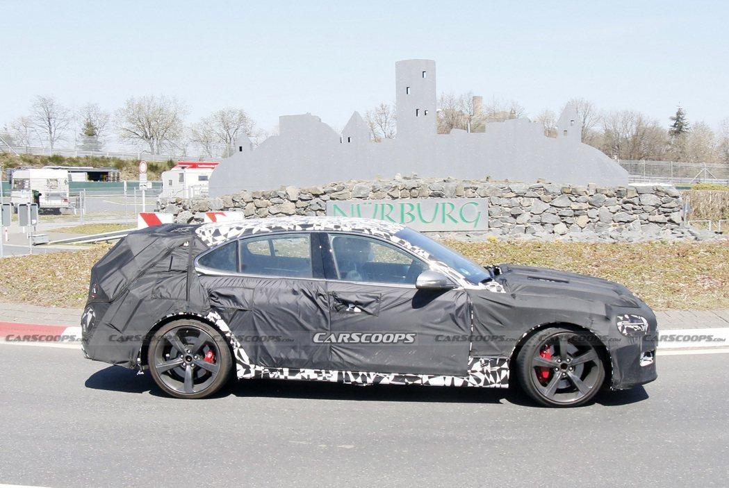 全新Genesis G70 Shooting Brake偽裝測試車。 摘自Car...