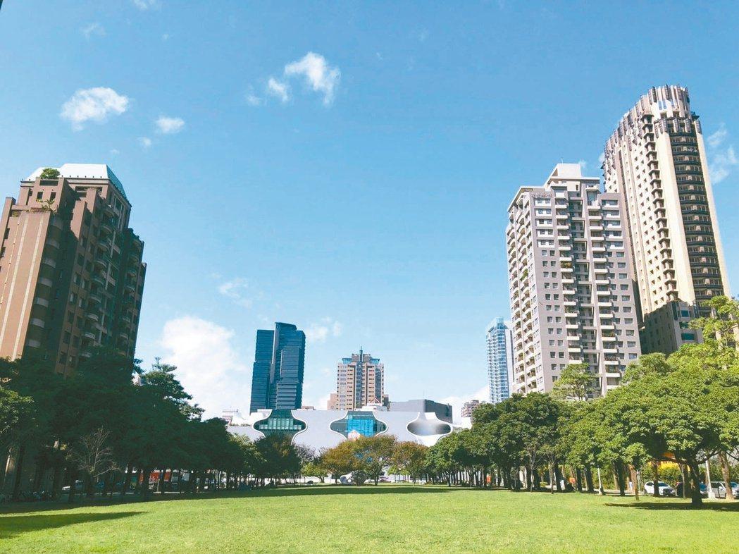 「大陸寶格」去年揭露九筆交易,其中18樓實品屋以1.82億元售出、拆算每坪成交價...