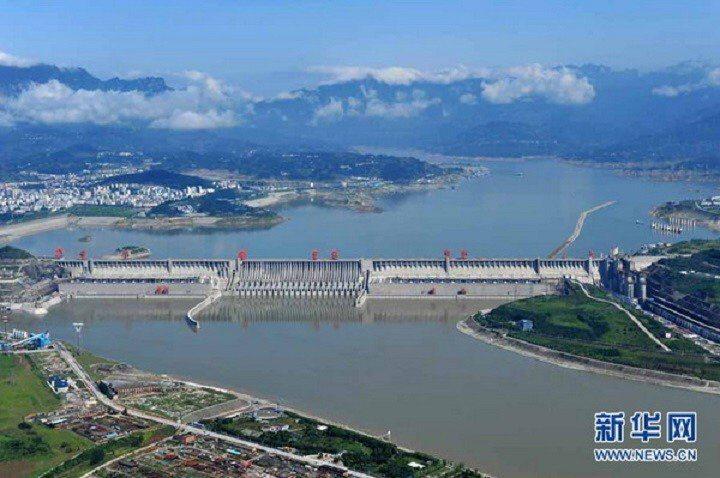 大陸三峽庫區水位跌破160公尺,部分航道實施汛期管制。新華社