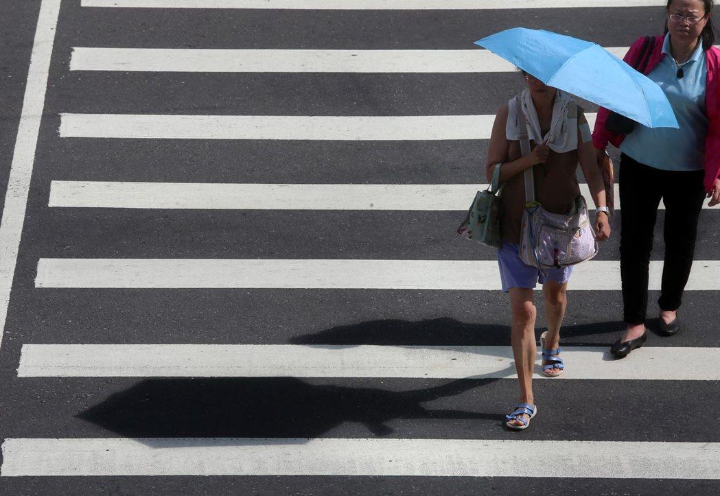 中央氣象局表示,未來降雨訊號不明顯,天氣偏晴朗炎熱。本報資料照片
