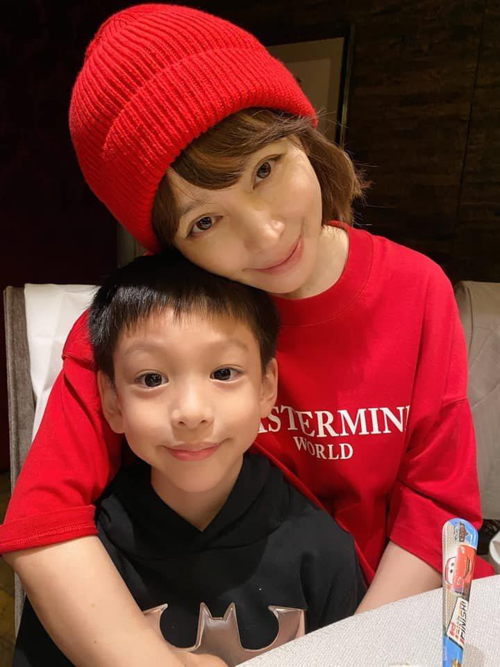 徐若瑄感動分享兒子送給她的母親節禮物。圖/摘自臉書