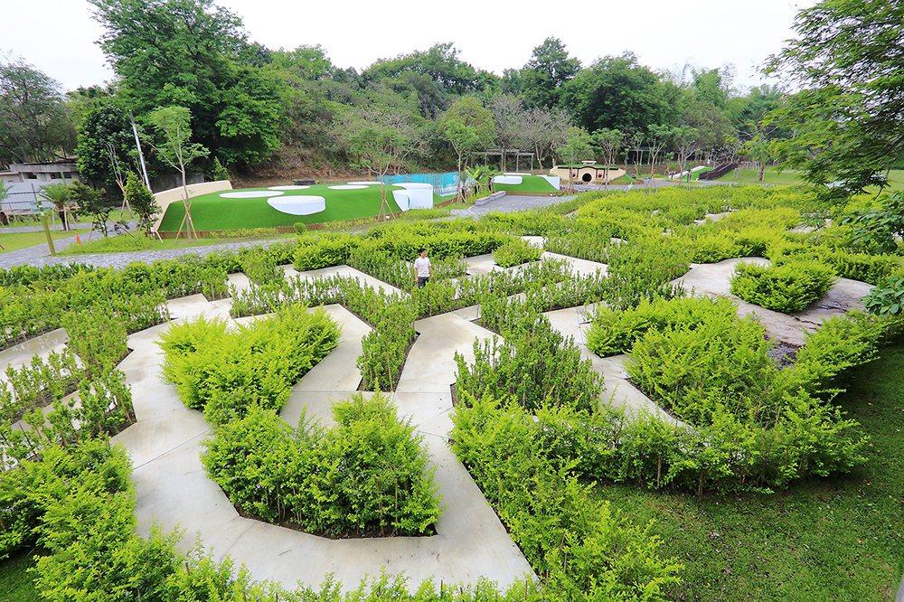 迷宮花園寓教於樂,希望能吸引更多親子家庭共同造訪澄清湖。  圖/Carter ...