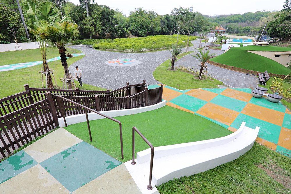 市府與自來水公司攜手,將占地超過0.6公頃的騎馬場,改建為全國最大的迷宮花園。 ...