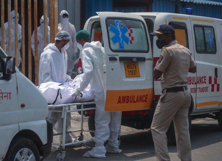 印度新冠肺炎疫情嚴峻,截至昨晚統計,我駐印度代表處累計已有十人確診。 美聯社