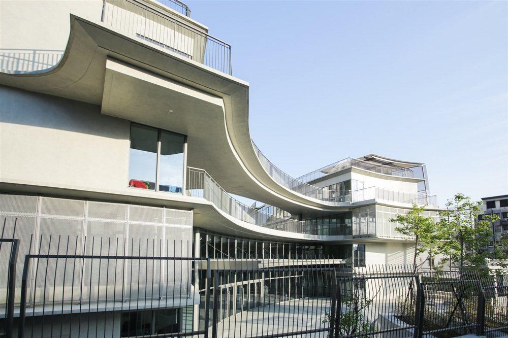 臺北歐洲學校中學部校區新教學大樓外觀。 臺北歐洲學校/提供