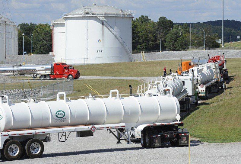 侵美國東岸輸油管系統營運商Colonial管線公司遭駭客攻擊。(美聯社)